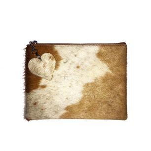 Pouch cow brown (bos taurus taurus)