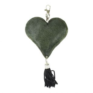 Key chain heart green (bos taurus taurus)